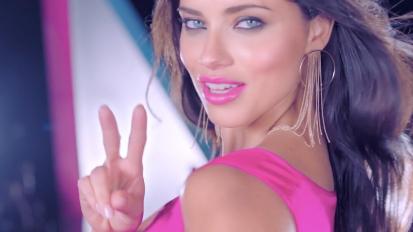 Veet- Adriana Lima